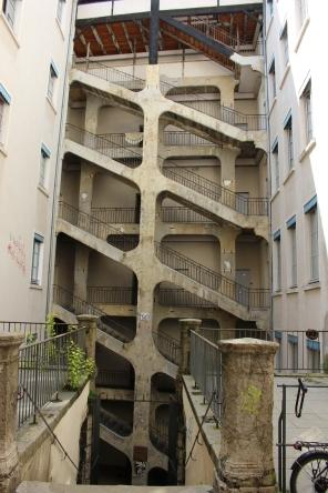 La Cour des Voraces LES PENTES DE LA CROIX-ROUSSE LYON